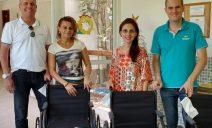 Politintas doa quatro cadeiras de rodas para lar de idosos